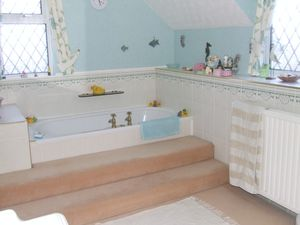 En Suite- click for photo gallery